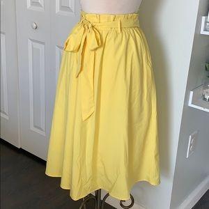 Lulu's medium women's yellow maxi below knee skirt
